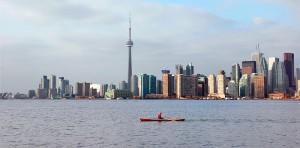 Toronto_skyline_toronto_islands_b