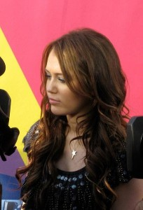 Miley Cyrus  409px-Miley_Cyrus_2008_MTV_VMA