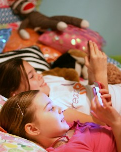 Sleepover 2 girls 5381754175_ec120a9503