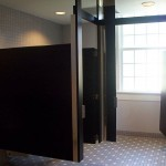 640px-Publicrestroom
